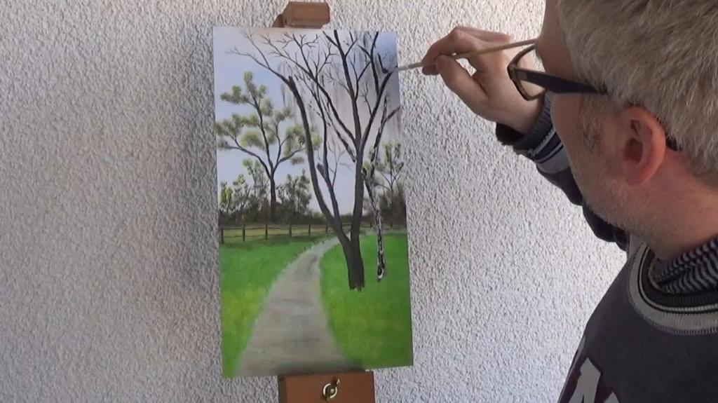 7a-Fruehlingsbild-Weg-mit-Baum-und-Pferdekoppel